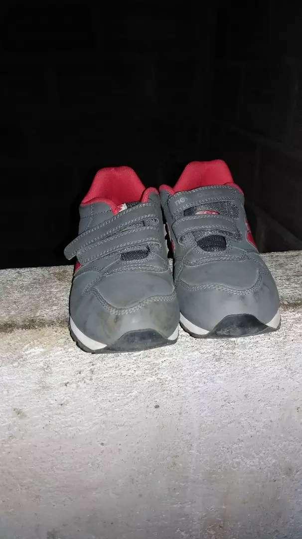 Se vende zapatos de niño 0