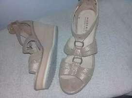 Zapato y bandolera