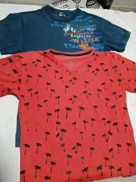 2 camisetas talla M por 6000 muy buen estado
