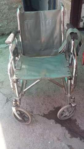 Vendo sillas de ruedas cromada