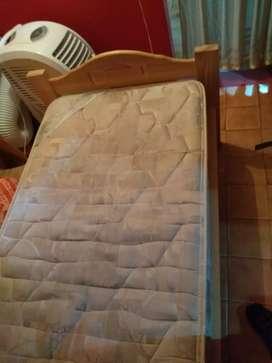 Cama 1 plaza + colchón (excelente estado y precio)