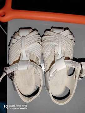 Sandalias de nena