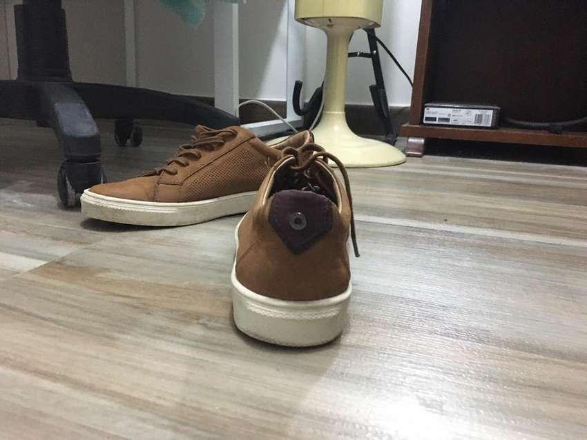 Zapatos bosi talla 39 cuero, color miel 0
