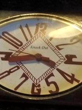Reloj mujer mallas negro elástica.