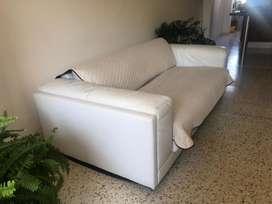 Sofa en cuero de dos puestos