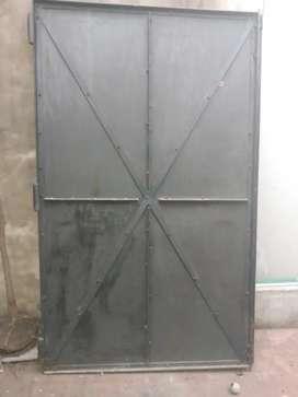 Portón de chapa 240x 200