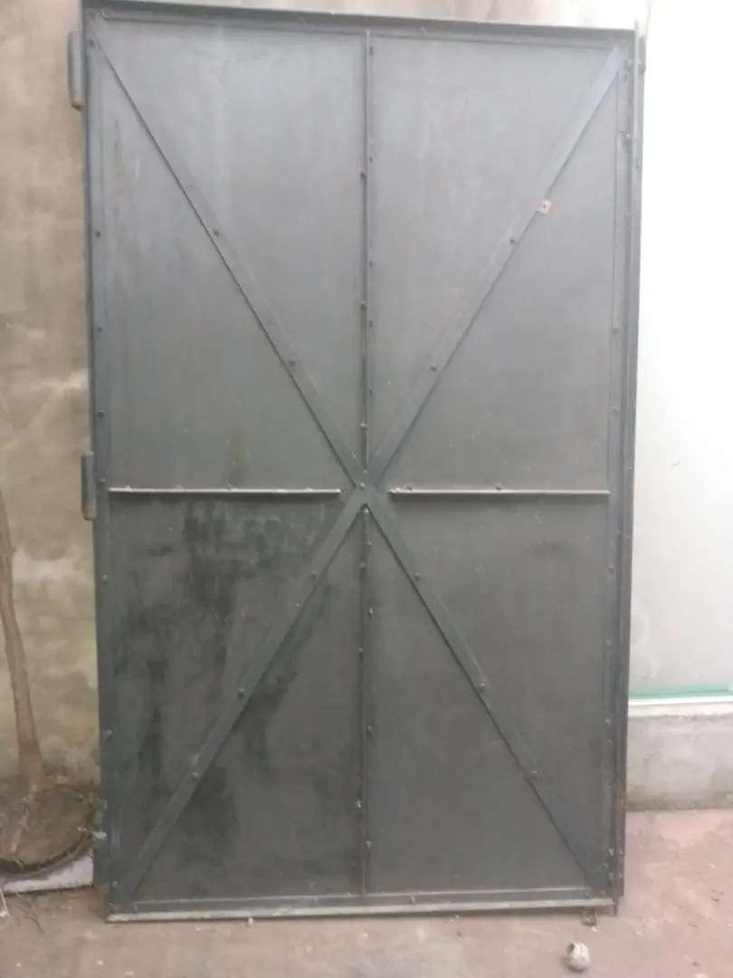 Portón de chapa 240x 200 0