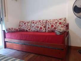 Sofá cama con un colchon