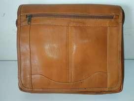 Maletín portadocumentos bolso carriel en cuero 100% cuero natural NUEV