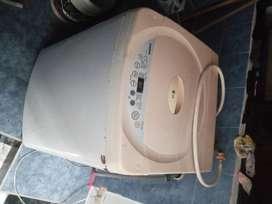 Lavadora digital 24 libras marca LG