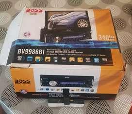 Stereo boss con pantalla rebatible en caja