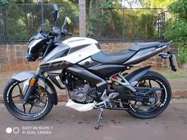 VENDO ROUSER NS 200 IMPECABLE