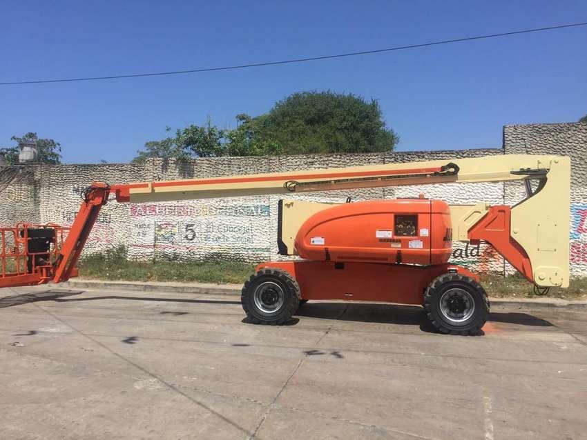 Manlift JLG 800 AJ 26 metros de altura Certificado por onac