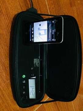 iPod 4g con estacion de sonido portatil iHome
