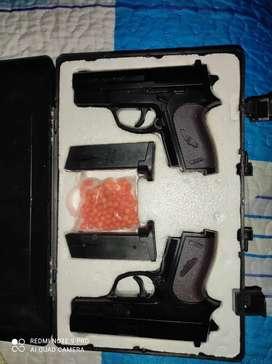 Vendo pistolas de colección .