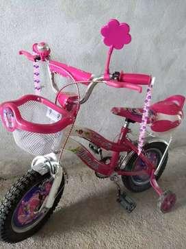 Vendo bicicleta de nena rodado 12 0km!