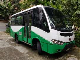 se vende buseta npr 19 ps 2009