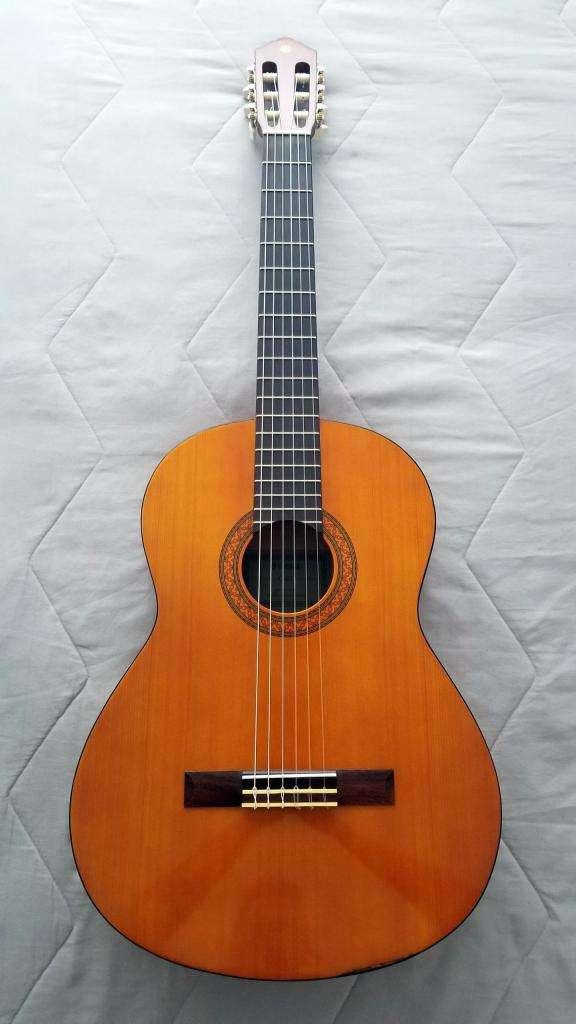 Guitarra Yamaha C-40 02 0