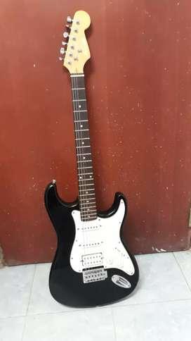 Vendo guitarra eléctrica en Muy buen Estado