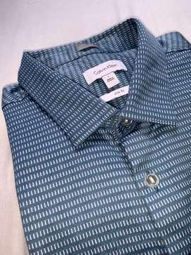 Camisa manga larga slim fit / Calvin Klein