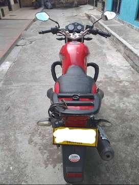 Vendo moto Akt Evo 125 modelo 2013 - Buen estado