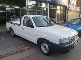 Mazda 2001 pick-up cab/simple diesel impecable.