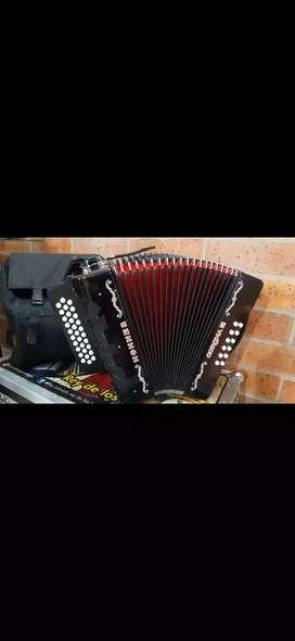 Acordeon hohner rey vallenato 5 letras excelente estado buena presion y sonido