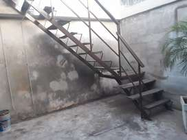 Estructura de escalera de caño