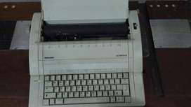 Maquina de Escribir Electrica Olympia