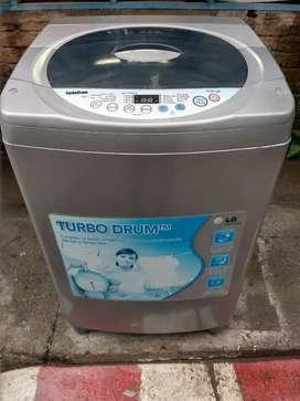 Lavadora LG TURBO DRUM de 25 libras