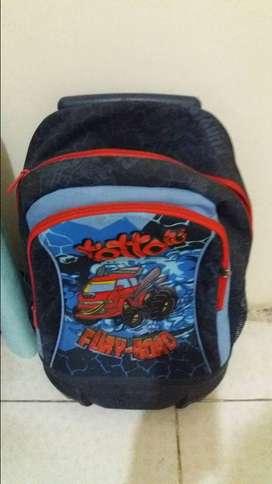 bolso de ruedas marca totto para niños de regreso al colegio