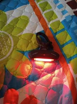 Vendo luz trasera potente GW para bicicleta