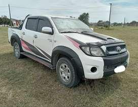 Vendo Toyota hilux lista para transferir