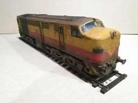 Locomotora ALCO MONTREAL FPD7 (Maqueta Estática 1:26)
