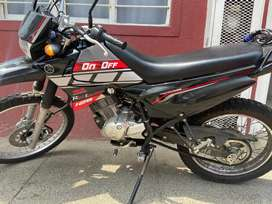 Yamaha XTZ125E 2019, poco uso, solo efectivo.
