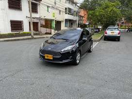 Ford Fiesta 2015 Full