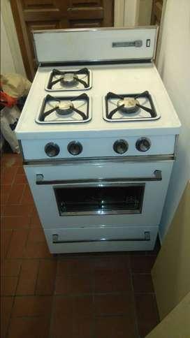 Cocina retro vintage años 70 Volcan Blanca. Excelente estado.
