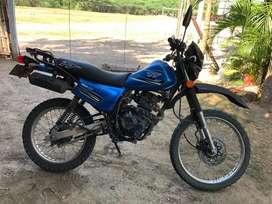Vendo Moto Akt 150