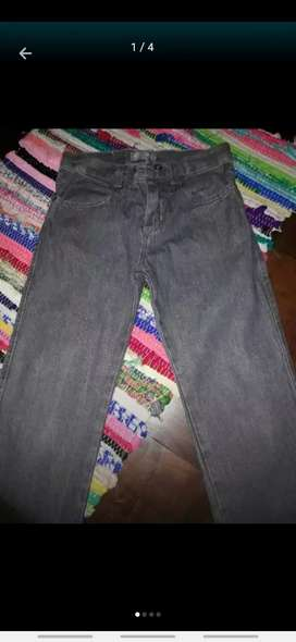 Jean gris talle 8 niño