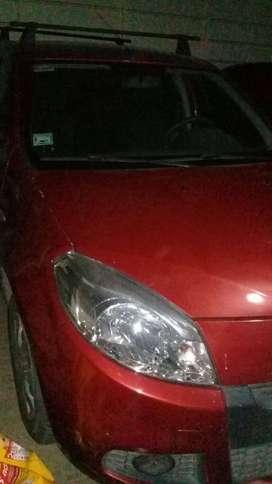 Renault Sandero 2012 única mano.
