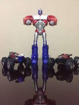 Combo muñeco Optimus Transformer + dos carros reversibles Marvel