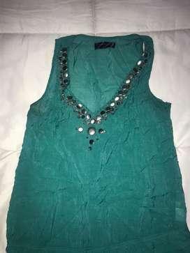 Blusa azul verdoso con piedreria