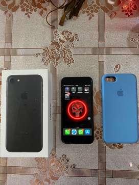 1 año de uso, iphone de 32 GB