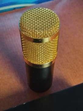 Micrófono condensador XLR para grabación de audio profesional