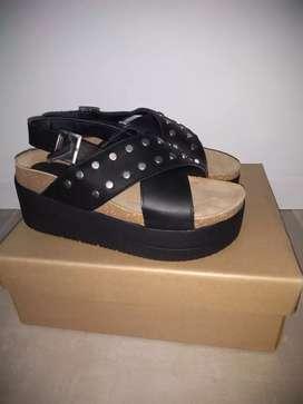 Vendo sandalias de cuero nuevas