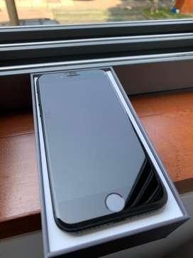 iPhone 8 64gb Apple Semi Nuevo / Usado + Audifonos + Case
