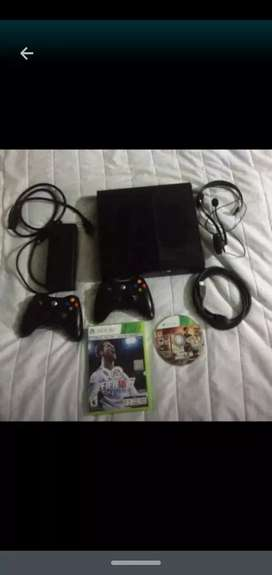 Xbox 360 500gb Casi Nuevo Con GTA5 y FIFA 18 y call of duty black ops 2 y el ghost Con Dos Controles