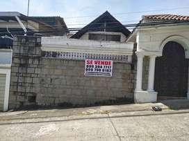 Venta de Casa en Cdla. Lomas de Urdesa, Norte de Guayaquil