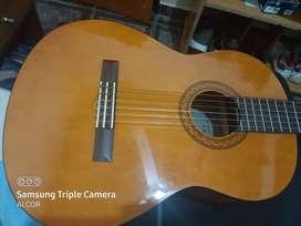 Guitarra criolla marca yamaha año 2019