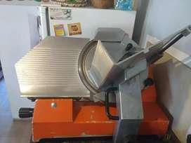 Maquina para cortar fiambre